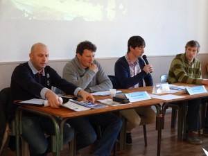 Les membres du bureau, de gauche à droite : Jérôme Papin (Commission Concours), Sébastien Chauvat (trésorier), Florent Poiron (Président) et Pierre Arthus (secrétaire)