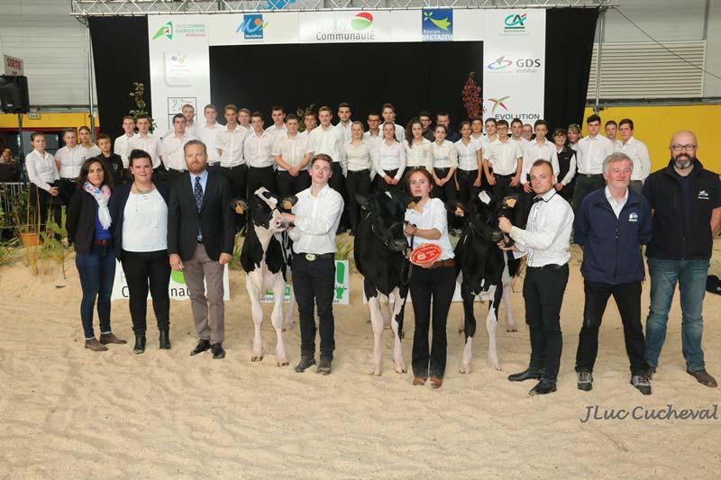 Les jeunes participants au concours de présentation